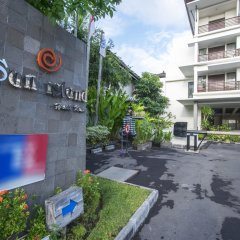 Sun Island Hotel Kuta парковка