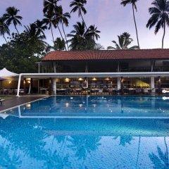 Отель Avani Bentota Resort Шри-Ланка, Бентота - 2 отзыва об отеле, цены и фото номеров - забронировать отель Avani Bentota Resort онлайн бассейн фото 3