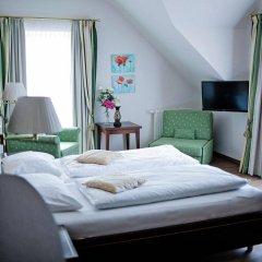 Отель Friesachers Aniferhof Аниф комната для гостей фото 4