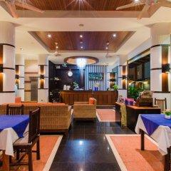 Отель Azure Bangla Phuket интерьер отеля