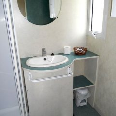 Отель Camping Santa Elena Ciutat Испания, Льорет-де-Мар - отзывы, цены и фото номеров - забронировать отель Camping Santa Elena Ciutat онлайн ванная