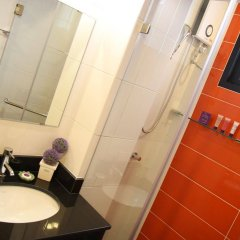 Отель Pakdee Bed And Breakfast Бангкок ванная