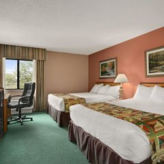Отель Baymont Inn & Suites - Sullivan комната для гостей фото 5