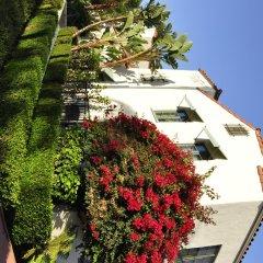 Отель The Eagle Inn балкон