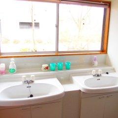 Отель Guesthouse Fujizakura Яманакако ванная фото 2