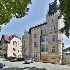 Hotel Smetana-Vyšehrad парковка