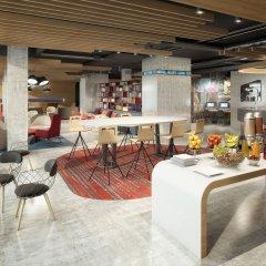 Отель Aloft Madrid Gran Via гостиничный бар