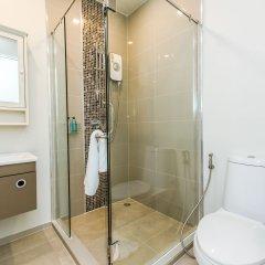 Отель Dlux Condominium Таиланд, Бухта Чалонг - отзывы, цены и фото номеров - забронировать отель Dlux Condominium онлайн ванная