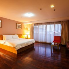 Отель The Aiyapura Bangkok комната для гостей