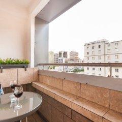 Отель Little Home - City Center 2 Польша, Варшава - отзывы, цены и фото номеров - забронировать отель Little Home - City Center 2 онлайн балкон