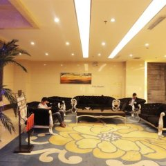 Rongda International Hotel развлечения