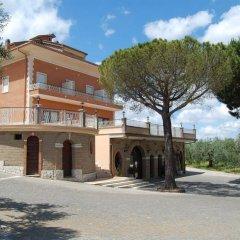 Отель Agriturismo Tenuta Quarto Santa Croce парковка