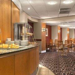 Days Hotel Waterloo питание фото 2