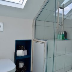 Отель Spacious 3 Bedroom House in Didsbury Manchester Великобритания, Манчестер - отзывы, цены и фото номеров - забронировать отель Spacious 3 Bedroom House in Didsbury Manchester онлайн ванная фото 2