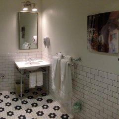 Отель The Hotel Hollywood США, Лос-Анджелес - отзывы, цены и фото номеров - забронировать отель The Hotel Hollywood онлайн ванная фото 2