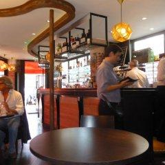 Отель Café Hôtel de lAvenir гостиничный бар