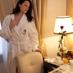 Отель A La Commedia Венеция в номере фото 2
