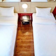 Отель Red Planet Aseana City, Manila комната для гостей фото 5