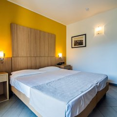 Aregai Marina Hotel & Residence сейф в номере