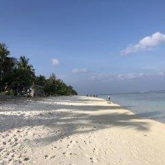 Отель Wavefrontinn Мальдивы, Мале - отзывы, цены и фото номеров - забронировать отель Wavefrontinn онлайн пляж фото 2