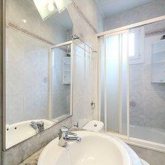 Отель Sants-Montjuïc Almeria ванная