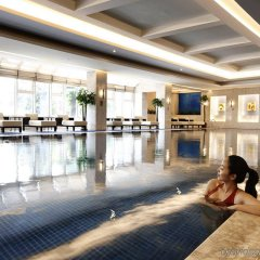 V-Continent Parkview Wuzhou Hotel бассейн