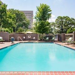 Crowne Plaza Memphis Downtown Hotel бассейн