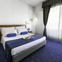 Diplomatic Hotel комната для гостей фото 2