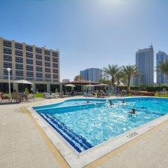 Отель Ajman Beach Аджман бассейн