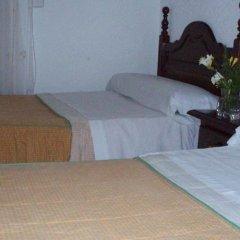Отель Hostal Castilla Испания, Мадрид - отзывы, цены и фото номеров - забронировать отель Hostal Castilla онлайн комната для гостей фото 3