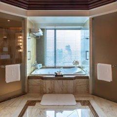 Отель The Peninsula Bangkok Таиланд, Бангкок - 1 отзыв об отеле, цены и фото номеров - забронировать отель The Peninsula Bangkok онлайн ванная фото 2