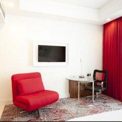 Отель Cinnamon RED Colombo Шри-Ланка, Коломбо - отзывы, цены и фото номеров - забронировать отель Cinnamon RED Colombo онлайн удобства в номере фото 2