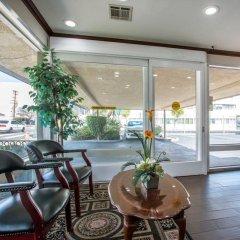 Отель Rodeway Inn Convention Center США, Лос-Анджелес - отзывы, цены и фото номеров - забронировать отель Rodeway Inn Convention Center онлайн питание