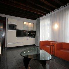 Отель Amosa Liège City Centre Apart Regence 10 Бельгия, Льеж - отзывы, цены и фото номеров - забронировать отель Amosa Liège City Centre Apart Regence 10 онлайн комната для гостей фото 2
