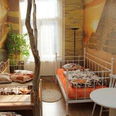 Отель Pension & Hostel Artharmony Чехия, Прага - 8 отзывов об отеле, цены и фото номеров - забронировать отель Pension & Hostel Artharmony онлайн питание фото 3