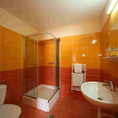 Six Inn Hotel ванная