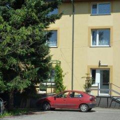 Отель Hotelik Na Zdrowiu парковка
