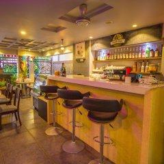 Отель Airport Comfort Inn Premium Мальдивы, Мале - отзывы, цены и фото номеров - забронировать отель Airport Comfort Inn Premium онлайн гостиничный бар