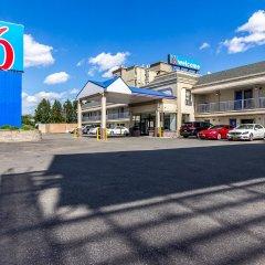 Отель Motel 6 Elizabeth - Newark Liberty Intl Airport США, Элизабет - отзывы, цены и фото номеров - забронировать отель Motel 6 Elizabeth - Newark Liberty Intl Airport онлайн парковка