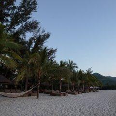 Отель Diamond Bay Resort & Spa пляж фото 2