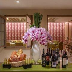 Отель Sofitel Saigon Plaza Вьетнам, Хошимин - отзывы, цены и фото номеров - забронировать отель Sofitel Saigon Plaza онлайн спа