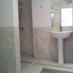 Отель Cool Rooms in Galle Fort Шри-Ланка, Галле - отзывы, цены и фото номеров - забронировать отель Cool Rooms in Galle Fort онлайн ванная