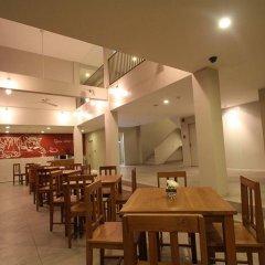 Отель CHERN Hostel Таиланд, Бангкок - 2 отзыва об отеле, цены и фото номеров - забронировать отель CHERN Hostel онлайн питание фото 3