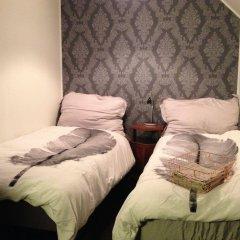 Отель Bed and Waffles комната для гостей