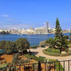 Отель Luxury Apt With Side Seaviews and Pool, Best Location Мальта, Слима - отзывы, цены и фото номеров - забронировать отель Luxury Apt With Side Seaviews and Pool, Best Location онлайн балкон