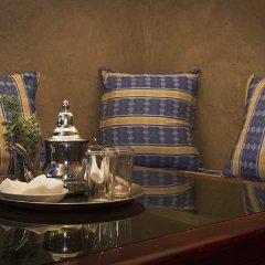 Отель Auberge Les Roches Марокко, Мерзуга - отзывы, цены и фото номеров - забронировать отель Auberge Les Roches онлайн интерьер отеля фото 2