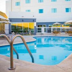 Отель Fairfield Inn by Marriott Los Cabos Мексика, Кабо-Сан-Лукас - отзывы, цены и фото номеров - забронировать отель Fairfield Inn by Marriott Los Cabos онлайн бассейн