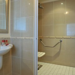 Отель Cresta President Габороне ванная фото 2