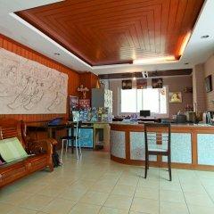 Отель Priew Wan Guesthouse Патонг гостиничный бар