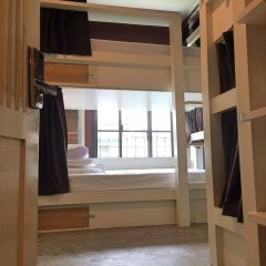 Yoo Yen Pen Sook Hostel сейф в номере
